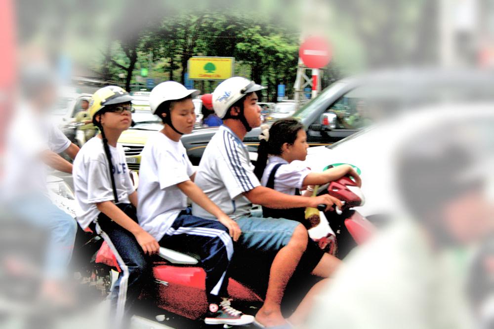 2-3_ROUES_002 * Transports en commun vietnamiens (1)