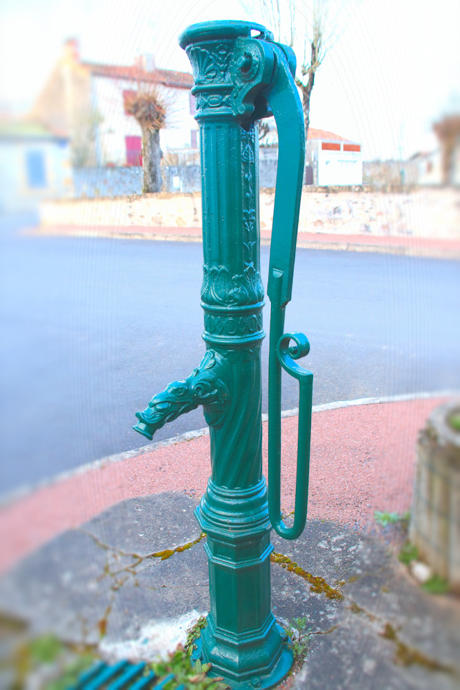 FONTAINE_003 * Fontaine publique viennoise
